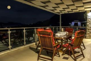 facilities villa kastro veranda