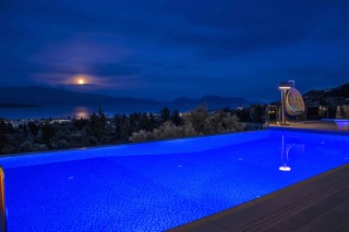 swimming pool villa kastro night view