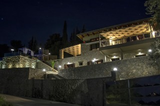 villa kastro lefkada night view
